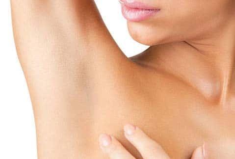 cuidados de depilarse en la axila con crema