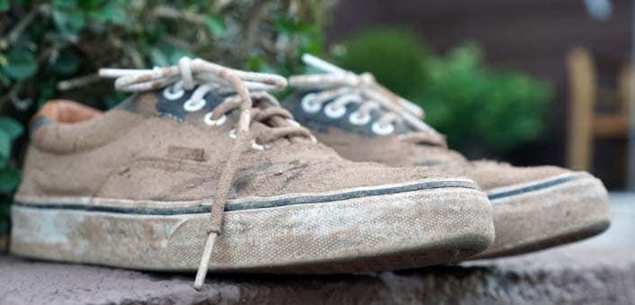 zapatillas sucias para lavar